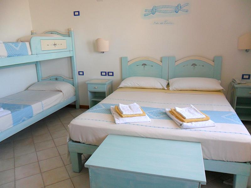 Camere da letto stile sardo idee per la casa for Euro arredamenti olbia